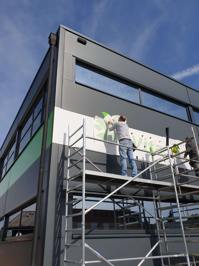 Fassadenfolierung-Vitadrom-Aussenwerbung